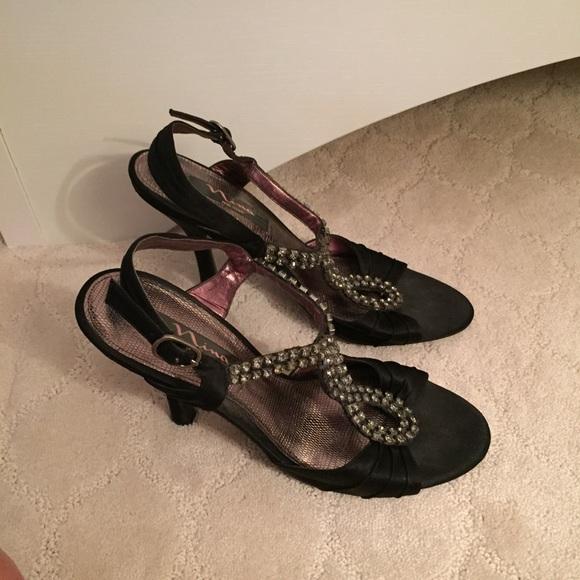 7595bf07ef9 Nina Black Strappy Heels with Rhinestones, size 9